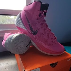 newest c14ed 960ef Nike Hyperdunk 2013 (breast cancer)